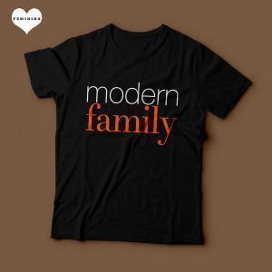 Camiseta Modern Family Feminina Preta