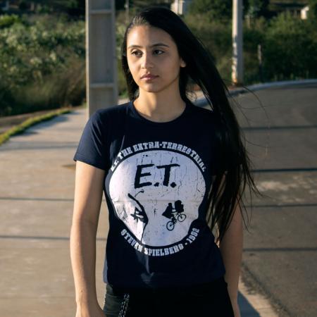 Camiseta ET O Extraterrestre Steven Spielberg 1982 Feminina Capa