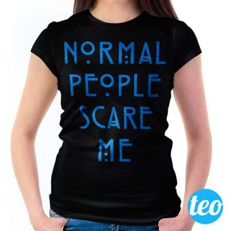 Camiseta Normal People Scare Me Feminina Preta e Royal