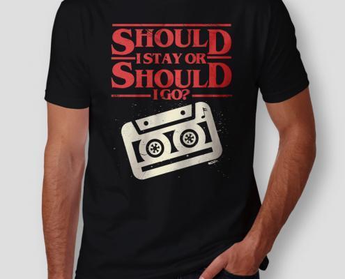 Camiseta Should I Stay Or Should I Go Masculina Capa