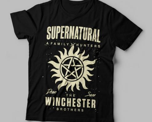 Camiseta Sobrenatural Winchester Brothers Feminina Capa
