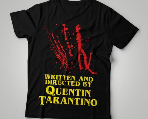 Camiseta Written And Directed By Quentin Tarantino Feminina Capa