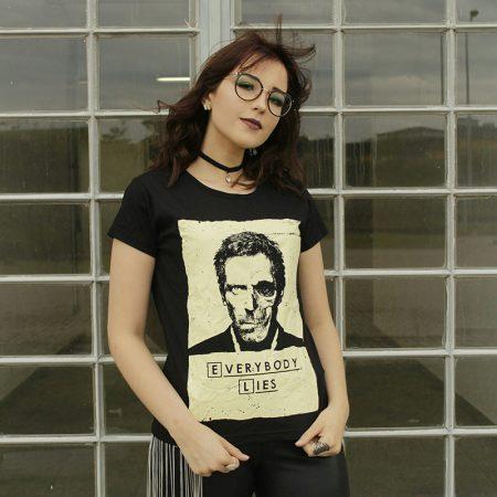 Camiseta Dr House Everybody Lies Feminina Capa