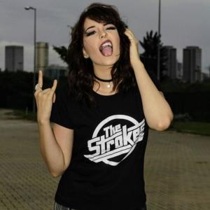 Camiseta The Strokes Logo Feminina Capa