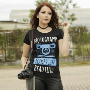 Camiseta Fotografia Photography Makes Life Beautiful Feminina Capa