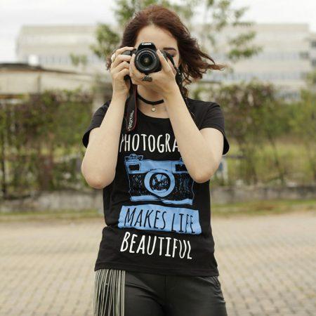 Camiseta Fotografia Photography Makes Life Beautiful Feminina Capa