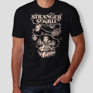 Camiseta Stranger Things Eleven Masculina Capa